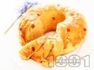 Рецепта Пухкав козуначен кекс с бадеми и стафиди за хлебопекарна